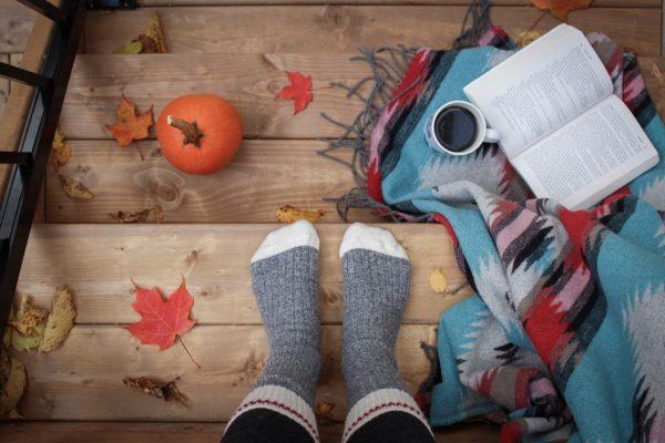 Un automne bien au chaud avec des objets déco intérieure en mode lifestyle !