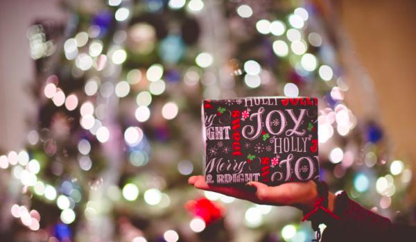 De drôles de cadeaux d'entreprise pour terminer l'année … alors Happy ?!